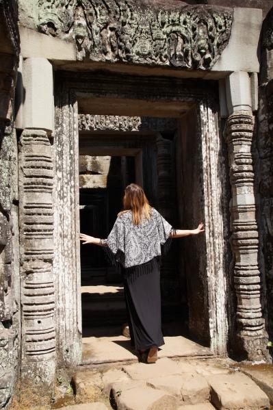 Kambodscha - Conny in den Tempeln von Angkor Wat