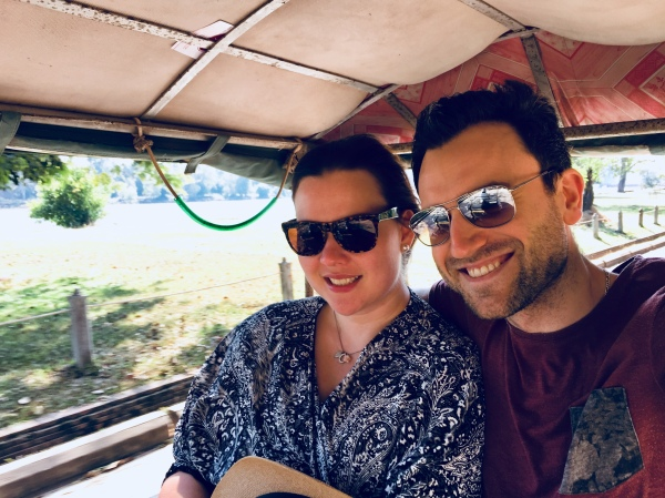Conny und Daniel im TukTuk nach Angkor Wat