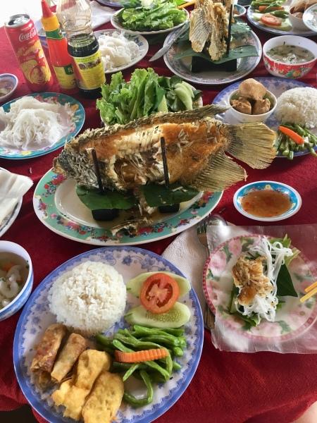 Vietnam, Ho Chi Minh City - Mittagessen im Mekong Delta - Elefantenohrfisch