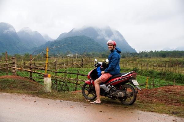 Vietnam, Phong Nha-Ke Bang - Daniel auf dem Roller