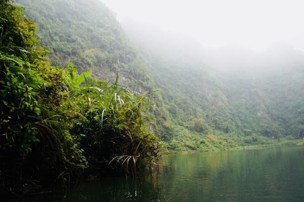 Vietnam, Tam Coc - Trang An, Karststeinformationen und Nebel