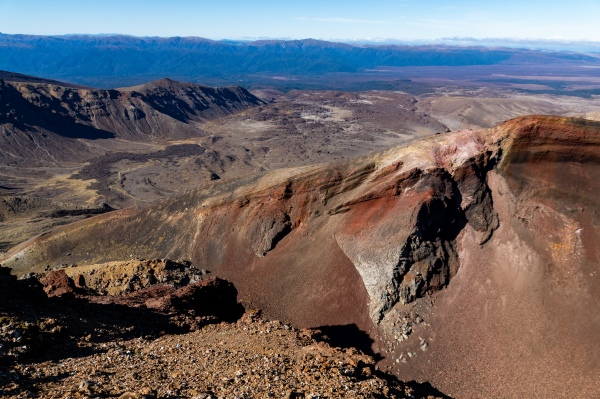 Einsicht in den Red Crater beim Tongariro Alpine Crossing