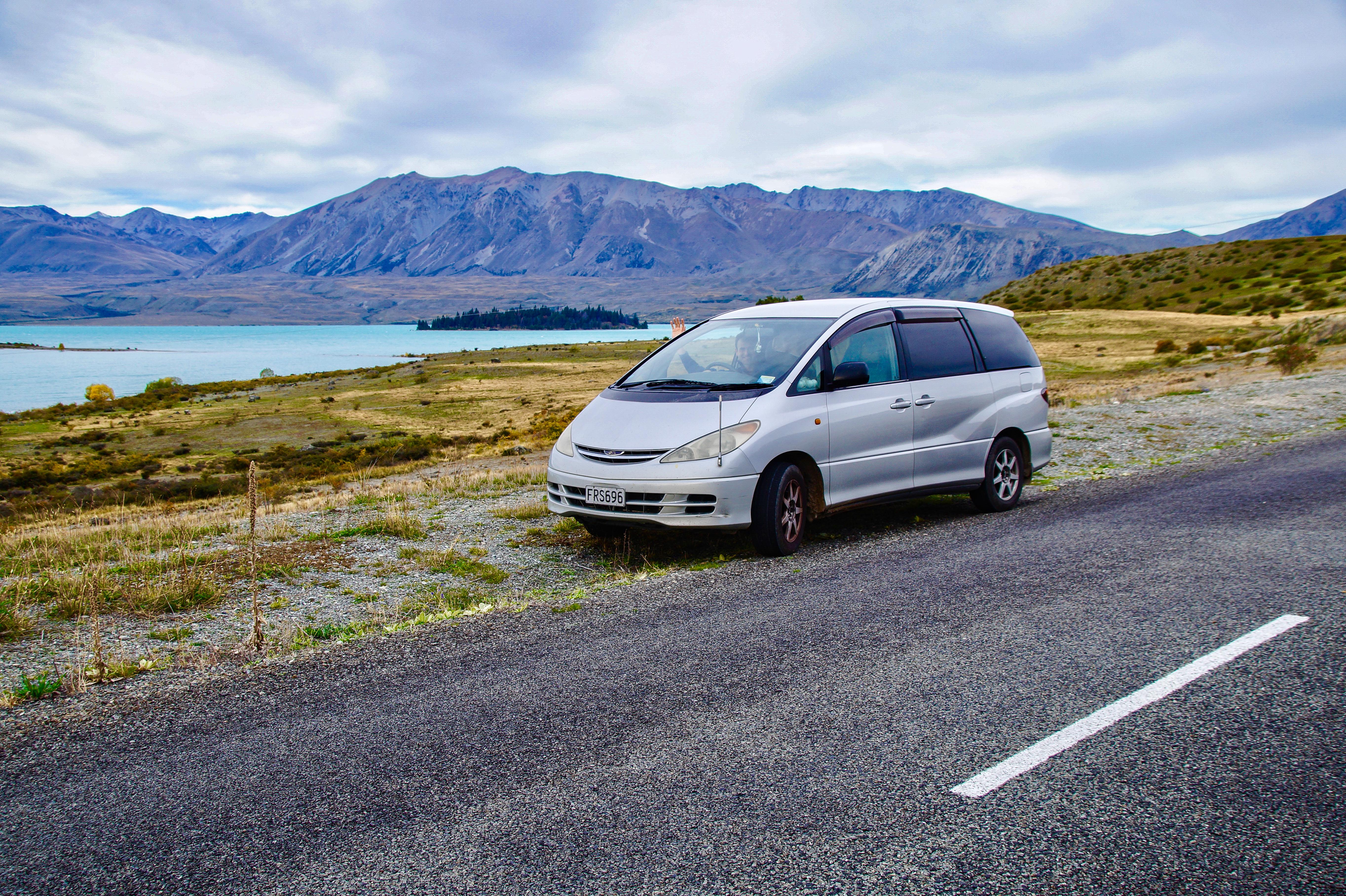 Neuseeland, Roadtrip - Unser Camper Van, die Wahl faellt auf einen 2000er Toyota Estima