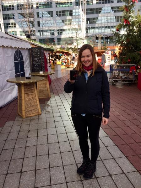Start Weltreise - Letzter Glühwein am Münchener Flughafen