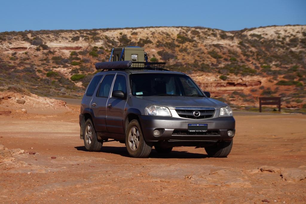 Roadtrip Upgrade: Roof Basket und Dachbox für zusätzlichen Stauraum sowie Markise (unerlässlich in abgelegen Regionen im australischen Busch und am Strand)