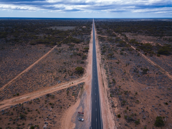 90-Mile-Straight-Road-Nullarbor-Plain